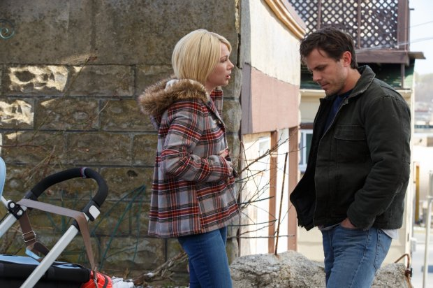 Michelle Williams and Casey Affleck in MANCHESTER BY THE SEA. Photo credit: Claire Folger, Courtesy of Amazon Studios and Roadside Attractions